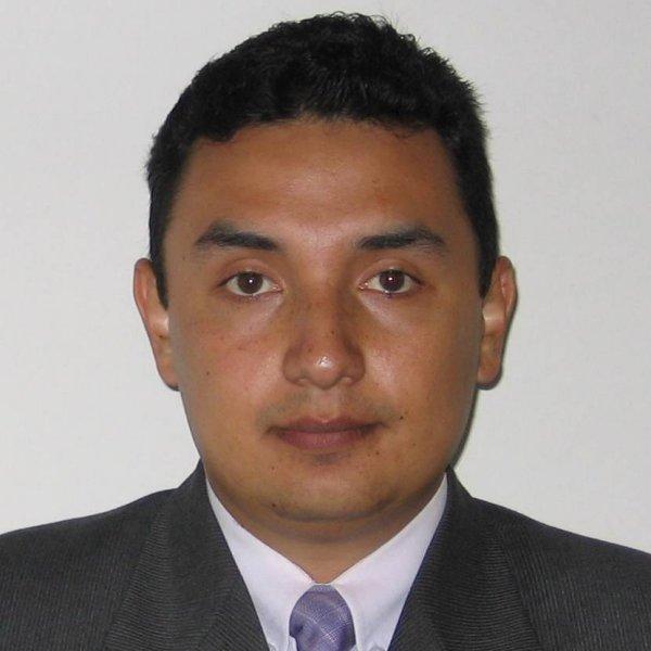 Dr. Marco Segura